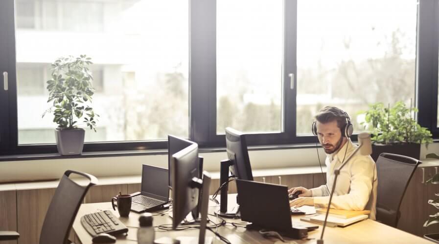 office computer man